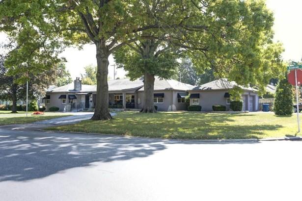 950 East Brookside Drive, Springfield, MO - USA (photo 1)
