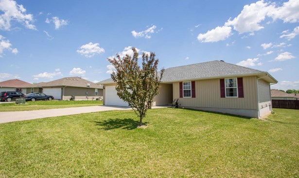 202 North Christopher Lane, Clever, MO - USA (photo 2)