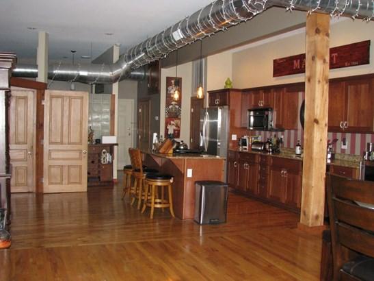 327 East Walnut Street Suite 203, Springfield, MO - USA (photo 2)