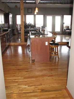 327 East Walnut Street Suite 203, Springfield, MO - USA (photo 5)