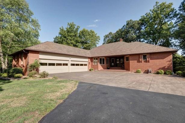 2575 West Canyonwood Court, Nixa, MO - USA (photo 1)