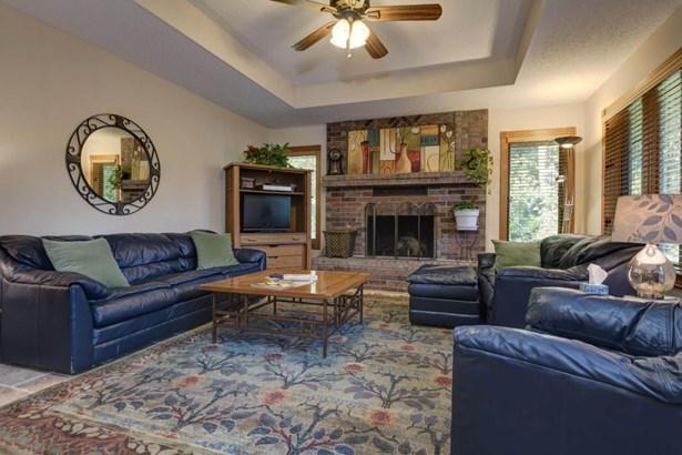 2575 West Canyonwood Court, Nixa, MO - USA (photo 5)
