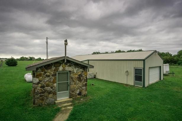 402 Comanche Trail, Sparta, MO - USA (photo 5)