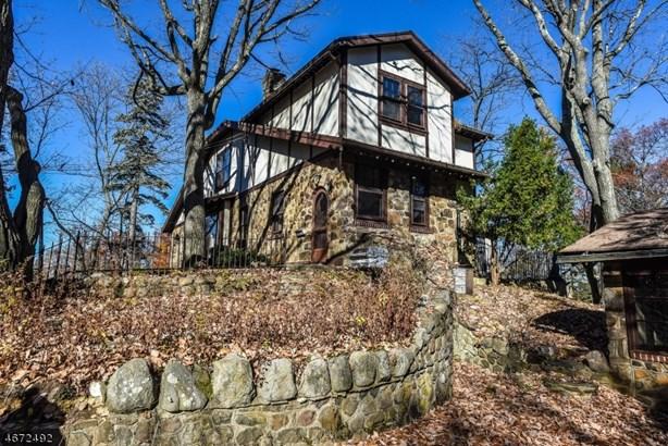 Colonial, Single Family - West Orange Twp., NJ (photo 2)