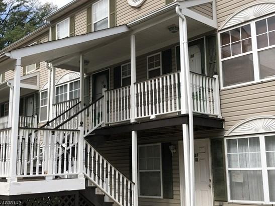 Townhouse-Interior, Multi Floor Unit, Single Family - Maplewood Twp., NJ