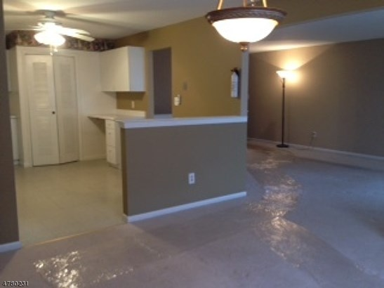 First Floor Unit, Apartment, One Floor Unit - East Hanover Twp., NJ (photo 3)