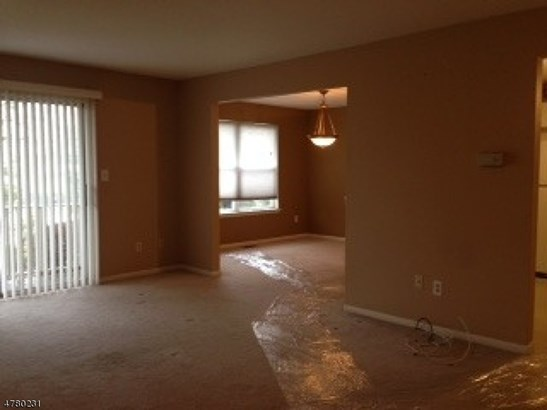 First Floor Unit, Apartment, One Floor Unit - East Hanover Twp., NJ (photo 4)