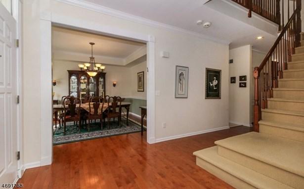 Colonial, Contemporary, Single Family - West Orange Twp., NJ (photo 3)