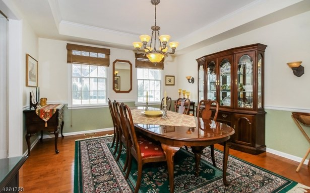 Colonial, Contemporary, Single Family - West Orange Twp., NJ (photo 4)
