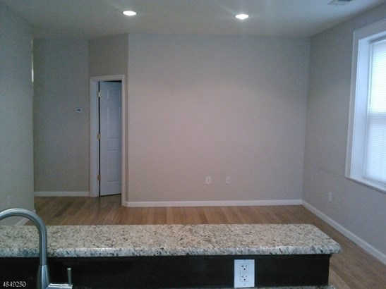 One Floor Unit, Single Family - City Of Orange Twp., NJ (photo 2)