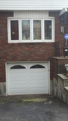 Colonial, Single Family - Jersey City, NJ (photo 2)