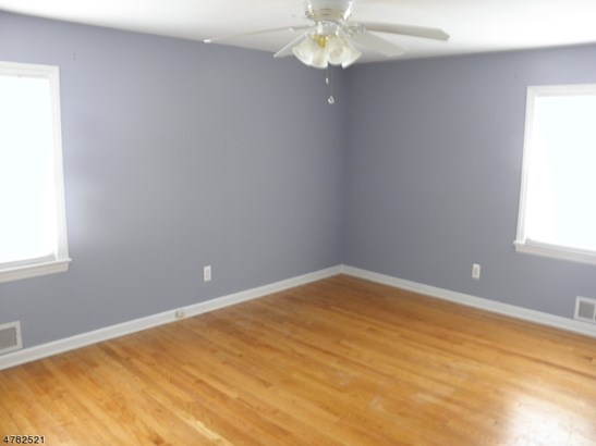 Split Level, Single Family - Parsippany-Troy Hills Twp., NJ (photo 2)