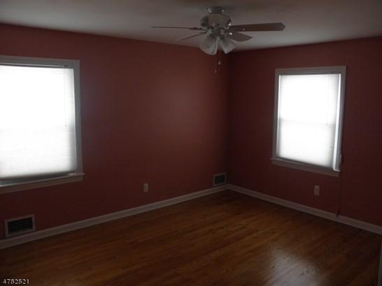 Split Level, Single Family - Parsippany-Troy Hills Twp., NJ (photo 4)