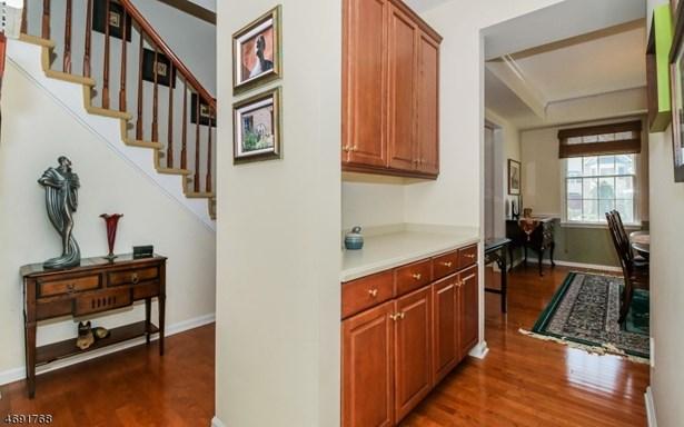 Colonial, Contemporary, Single Family - West Orange Twp., NJ (photo 5)