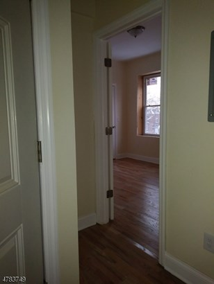 3 or More Stories, Apartment, One Floor Unit - Newark City, NJ (photo 4)
