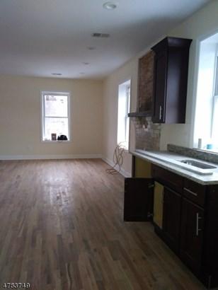 3 or More Stories, Apartment, One Floor Unit - Newark City, NJ (photo 5)