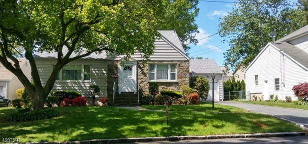 Custom Home, Single Family - Union Twp., NJ (photo 1)