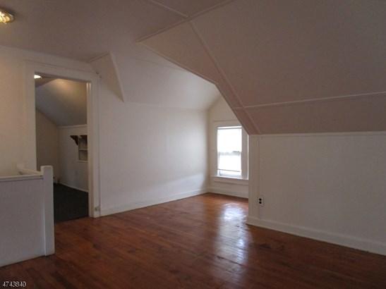 Multi Floor Unit, 3 or More Stories - Linden City, NJ (photo 4)
