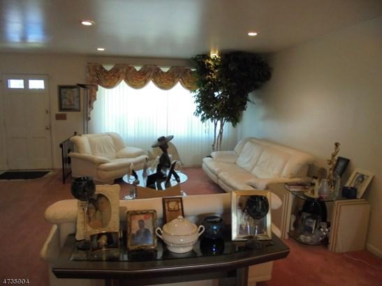 Split Level, Single Family - Maplewood Twp., NJ (photo 2)