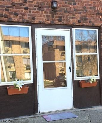 Condo Complex, One Floor Unit - City Of Orange Twp., NJ (photo 2)