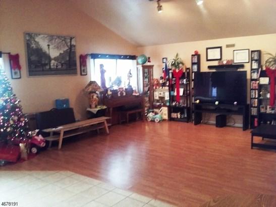 Custom Home, Ranch, Single Family - Rahway City, NJ (photo 2)