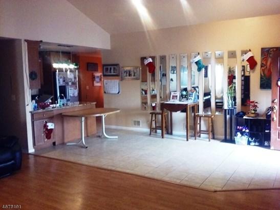 Custom Home, Ranch, Single Family - Rahway City, NJ (photo 5)