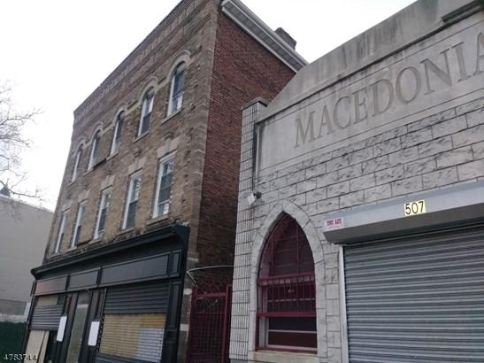 3 or More Stories, Apartment, One Floor Unit - Newark City, NJ (photo 3)