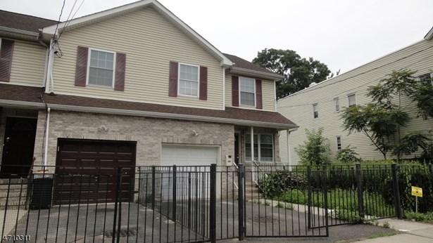 Townhouse-End Unit, Single Family - Newark City, NJ (photo 1)