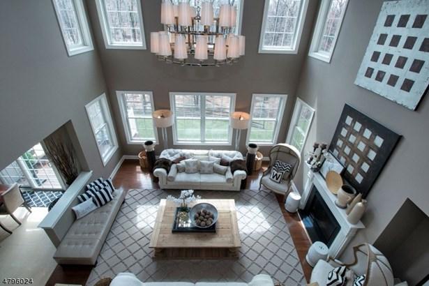 Townhouse-Interior, Single Family - West Orange Twp., NJ (photo 1)