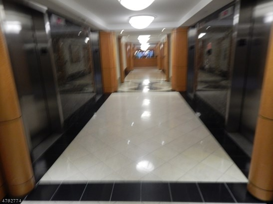 One Floor Unit, Hi-Rise, Single Family - East Orange City, NJ (photo 4)