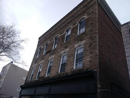 3 or More Stories, Apartment, One Floor Unit - Newark City, NJ (photo 1)