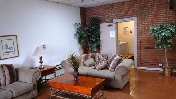 Multi Floor Unit - Paterson City, NJ (photo 2)