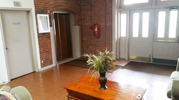 Multi Floor Unit - Paterson City, NJ (photo 3)