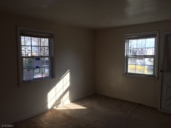 Townhouse-End Unit, Multi Floor Unit, Single Family - City Of Orange Twp., NJ (photo 3)