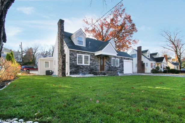 Cape Cod, Single Family - Nutley Twp., NJ (photo 2)