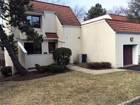 Townhouse-End Unit, Multi Floor Unit, Single Family - West Orange Twp., NJ (photo 1)