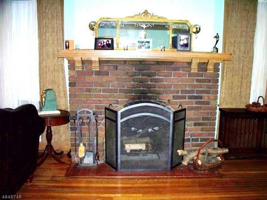 A-Frame, Colonial, Single Family - Newark City, NJ (photo 4)