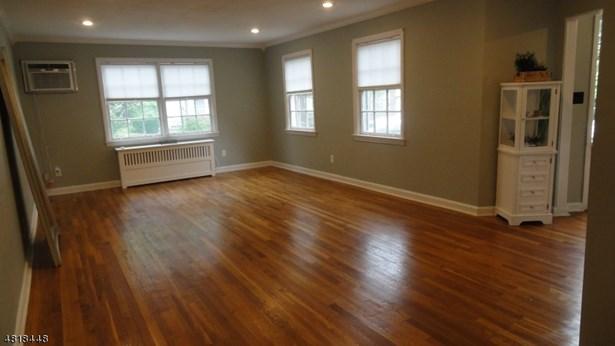 Multi Floor Unit, Townhouse-Interior, Single Family - Maplewood Twp., NJ (photo 3)