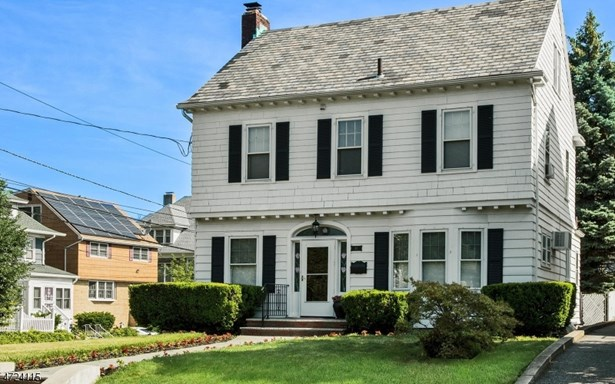 Colonial, Single Family - Belleville Twp., NJ (photo 2)