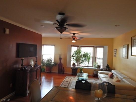 Townhouse-End Unit, Multi Floor Unit, Single Family - East Orange City, NJ (photo 3)