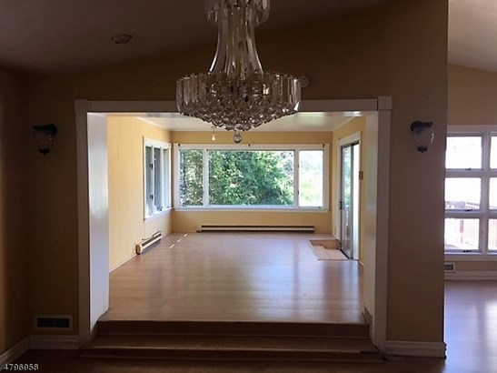 Single Family, Custom Home, Split Level - Clifton City, NJ (photo 3)