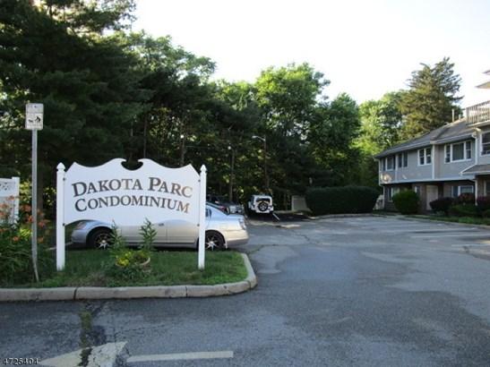 One Floor Unit, Single Family - Paterson City, NJ (photo 1)