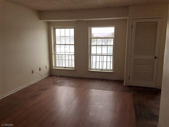 Single Family, Duplex, Multi Floor Unit - Pompton Lakes Boro, NJ (photo 5)