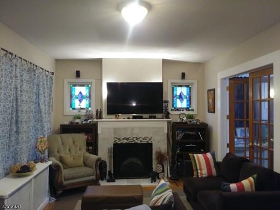 Colonial, Multi Floor Unit, Single Family - Irvington Twp., NJ (photo 3)