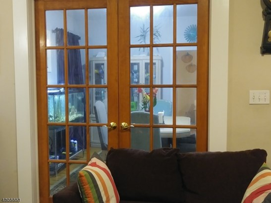 Colonial, Multi Floor Unit, Single Family - Irvington Twp., NJ (photo 4)