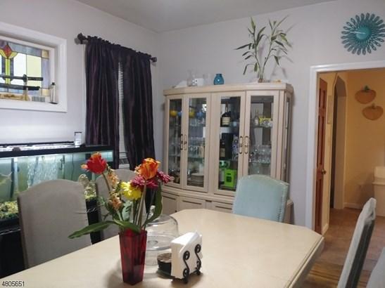 Colonial, Multi Floor Unit, Single Family - Irvington Twp., NJ (photo 5)