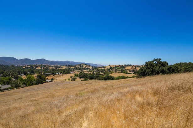 1021ladan, Solvang, CA - USA (photo 2)