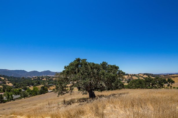 1021ladan, Solvang, CA - USA (photo 4)