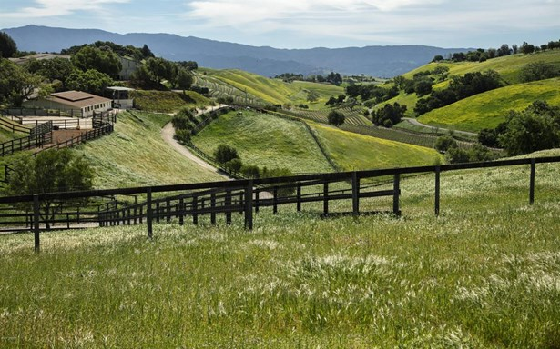 Ballard Canyon, Los Olivos, CA - USA (photo 1)