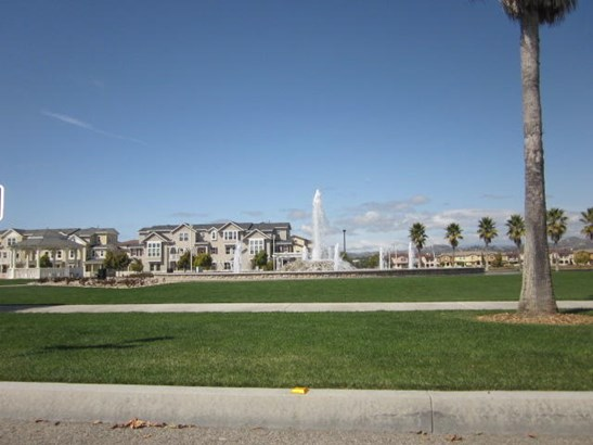3149 Lisbon, Oxnard, CA - USA (photo 4)
